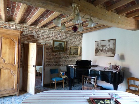 Bachy, France : Salle à manger