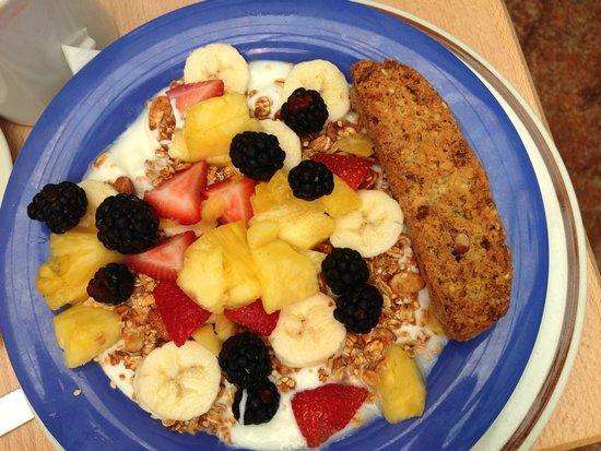 Sunny Point Cafe: yogurt with granola and fruit