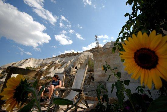 فيري شيمني إن: Our terraces are a perfect spot to relax and watch the sunset