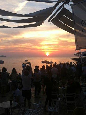 Florencio Hostal: Заказ в кафе Del Mar