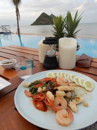 Hansar Pranburi Resort: Food