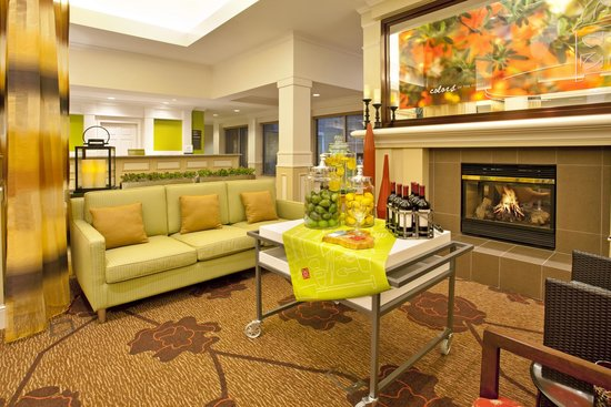 Hilton Garden Inn Minneapolis Eden Prairie: Sit and relax in our newly renovated