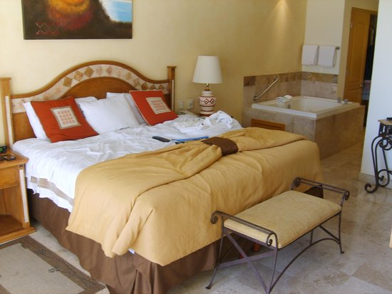 Villa del Arco Beach Resort & Spa : Master suite in the One Bedroom