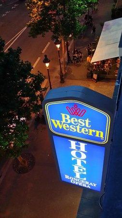 Best Western Hotel Ronceray Opera: Вид из номера