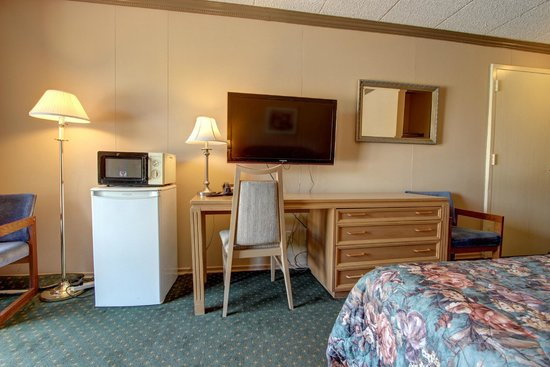 Owen Sound Inn: Room