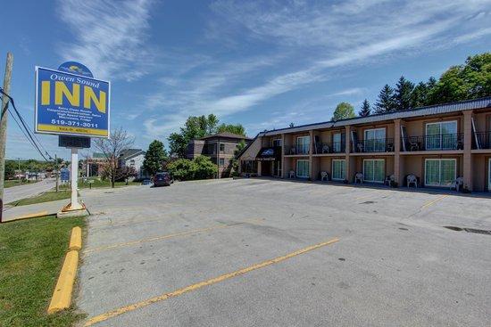 Owen Sound Inn: Front