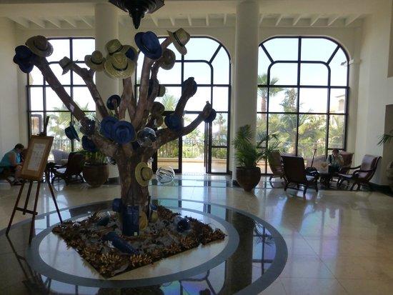 Suite Hotel Eden Mar: Hotelhalle Porto Mare