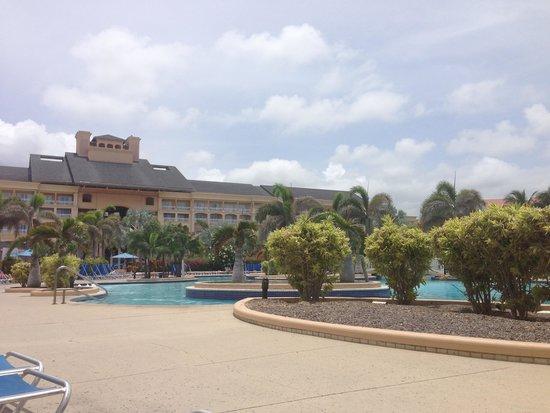 Marriott's St. Kitts Beach Club: Poolside