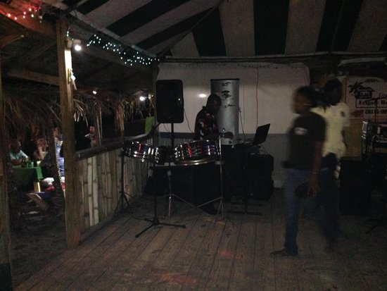 Mr. X's Shiggidy Shack Beach Bar: Steel Drums...Part of the entertainment for the night