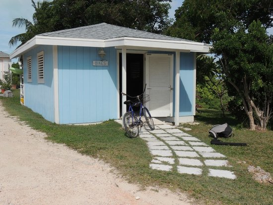 Stella Maris Resort Club: bikes for free rental/ bike shed