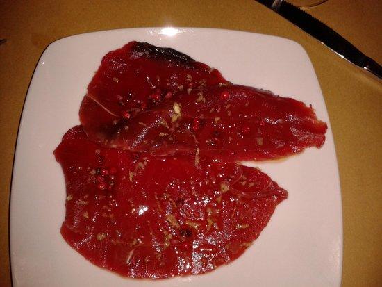 Tra...pani e Vini: tonno rosso crudo con pepe rosa