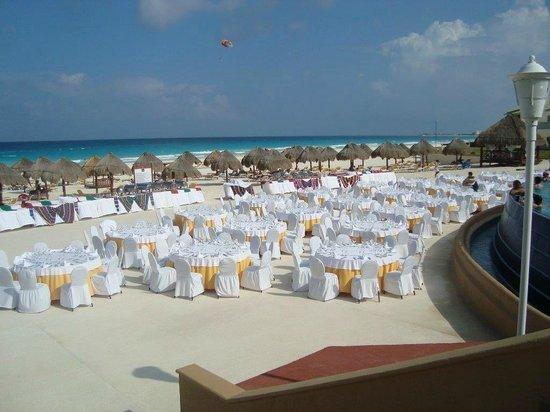 Iberostar Cancun Beach Area Wedding