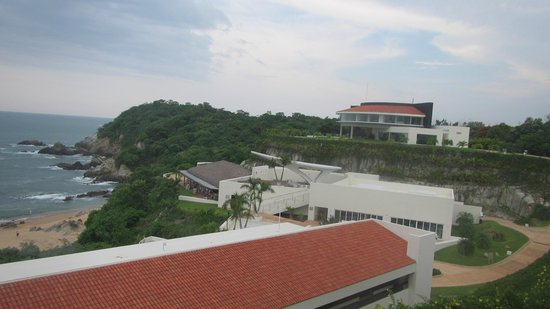 Secrets Huatulco Resort & Spa: Spa on cliff