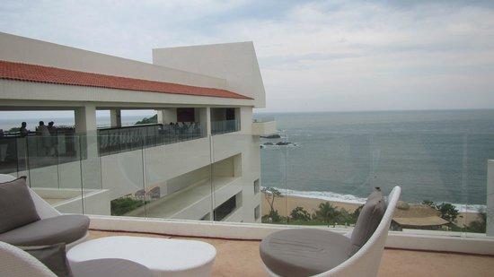 Secrets Huatulco Resort & Spa: Sky Bar