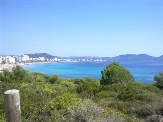 Playamar: view of Cala Millor (25 minute walk from S'illot)