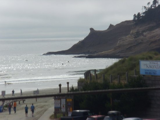Inn At Cape Kiwanda : Non-zoom view of the Cape from Rm 306 deck