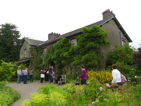 Hill Top, Beatrix Potter's House: A very popular attraction