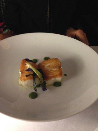 Natalie's Restaurant : Sushi Salmon roll appetizer