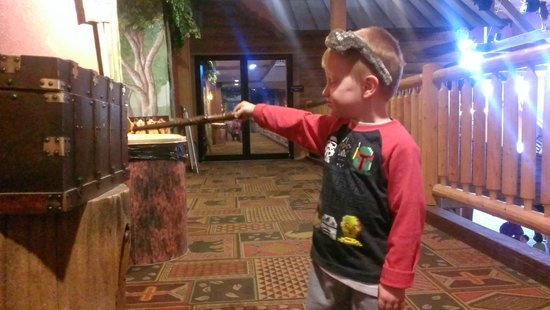Scotrun, PA: Playing MagiQuest at Great Wolf Lodge