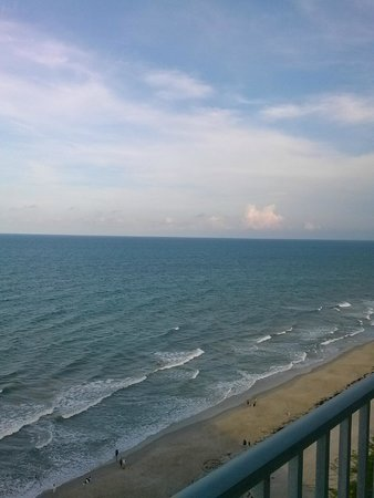 Radisson Suite Hotel Oceanfront : Balcony view