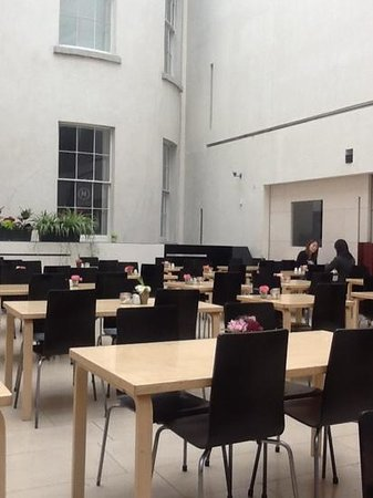 National Gallery Cafe: another view of the cafe july 2014