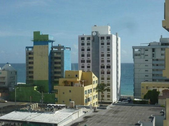 BEST WESTERN PLUS Condado Palm Inn & Suites: View from my window