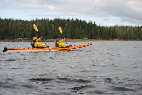 Ketchikan Kayak Co: Synchronized paddling at it's finest! ;)