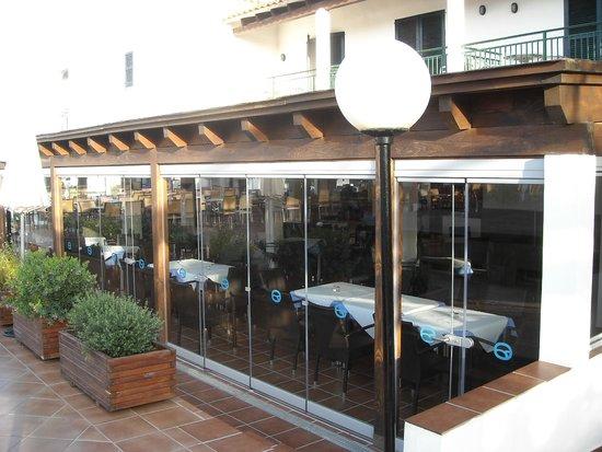 Apartamentos Roc Oasis Park: salle à manger