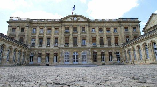 Hotel de Ville (Ayuntamiento): Les Oeuvre de Plensa exposées à l'hôtel de ville de Bordeaux