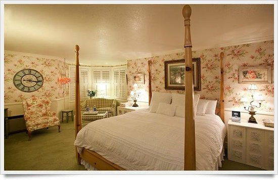 Apple Farm Inn: Beautifully appointed and spacious king room