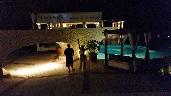 Hyatt Zilara Cancun : Beautiful night by the pool