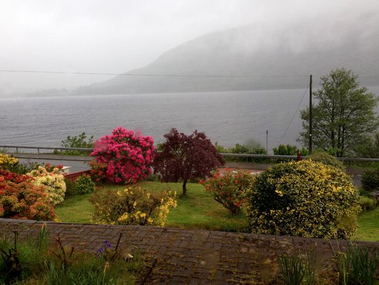 Burnlea Bed & Breakfast: View out to the loch