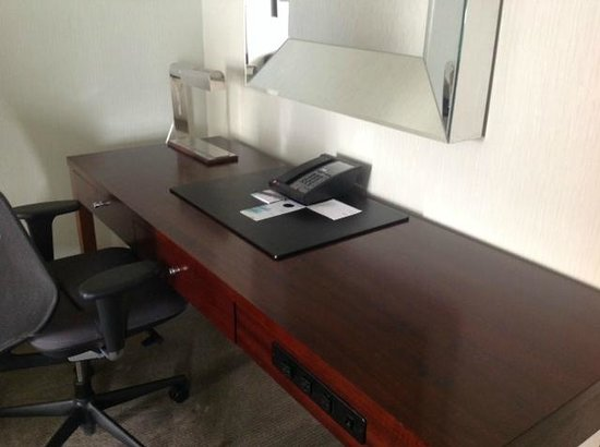 The Westin Book Cadillac Detroit: I LOVE a large desk area!