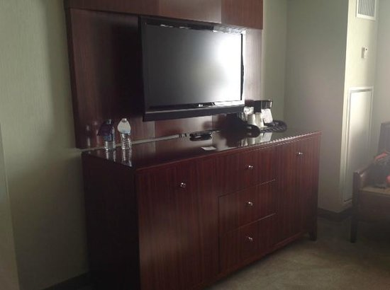 The Westin Book Cadillac Detroit: Typical TV and console/Bar NO MICROWAVE