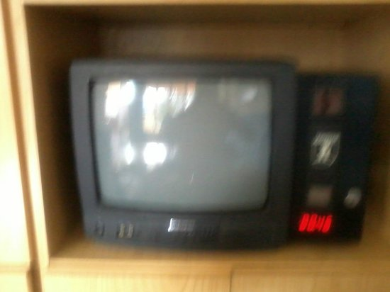 Picasso Apartments: emmmmm.....................a TV