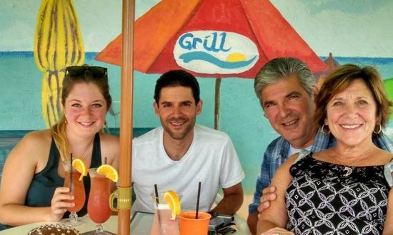Englewood Beach: Drinks and Dinner at Gulf View Restaurant