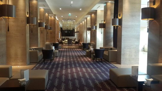 Metropol Palace, A Luxury Collection Hotel : 5 star hotel very nice. 10 min' distence from center of towen.