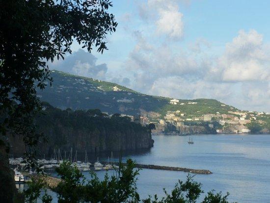 Bluegreen Village: view towards sorrento from motorhome