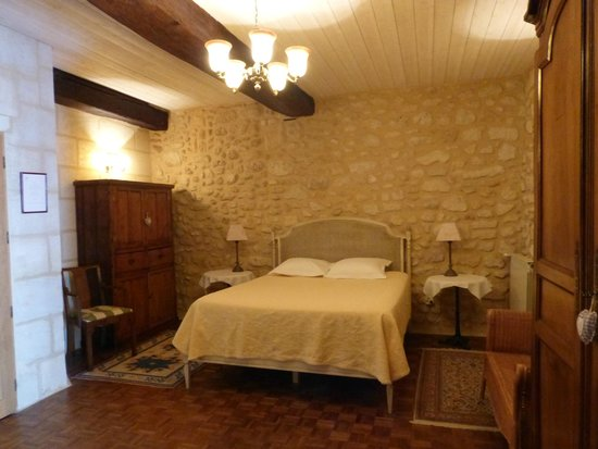 Chambres d'hotes Saint Emilion Bordeaux: Beau Sejour: Our lovely, large room
