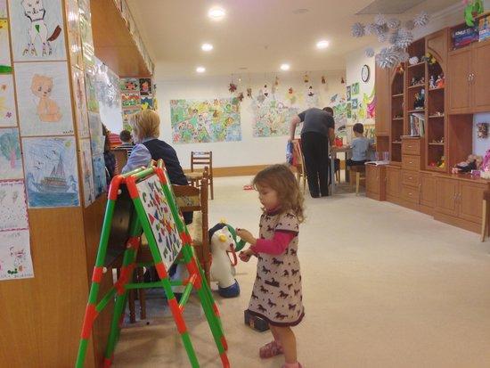 Rixos Hotel Prikarpatye: детская комната