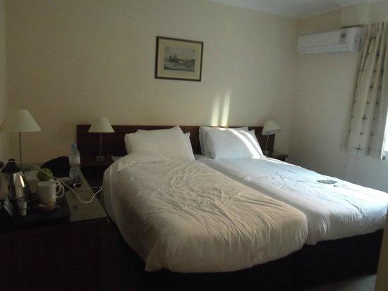 City Lodge: Cozy room