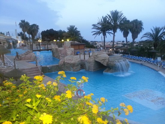 AR Imperial Park Spa Resort: pool at sunset