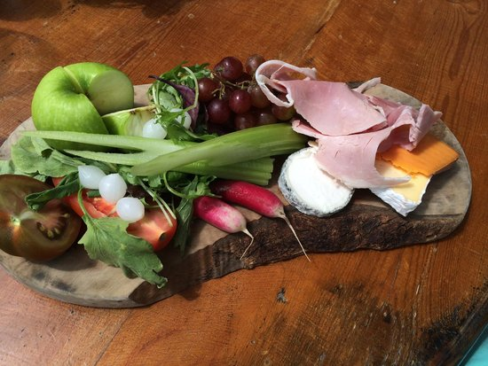 The Ilchester Arms Hotel Restaurant: Fabulous ploughmans