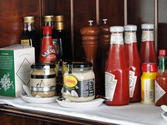 Restaurante CASA DANI: Condimentos, que no falte un detalle.