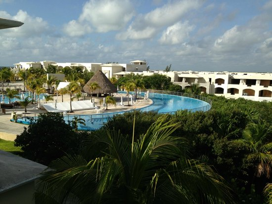 Moon Palace Cancun: View out our balcony