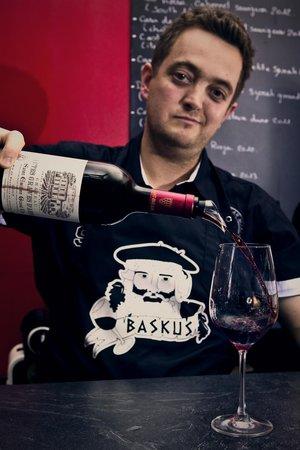 Le Baskus: .