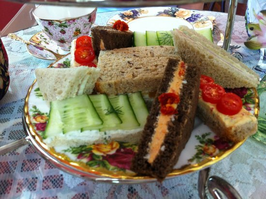 The Potted Geranium Tea Parlor & Gifts: Tea Sandwiches