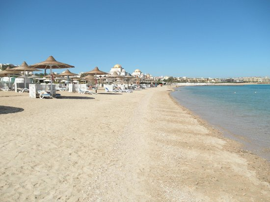 Old Palace Resort: Beach in front of the hotel