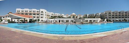 Old Palace Resort: Main pool