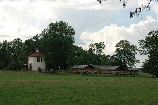 Domaine Les Gandins : Open Air Lodges & Le Pigeonnier (torentje)